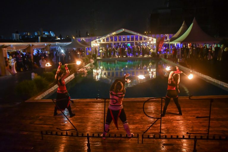 Огнено шоу Дивинитас направи представление за HERTZ